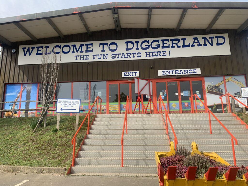 UK theme park - Diggerland